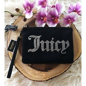NWT Juicy Couture Velour Charging Wristlet